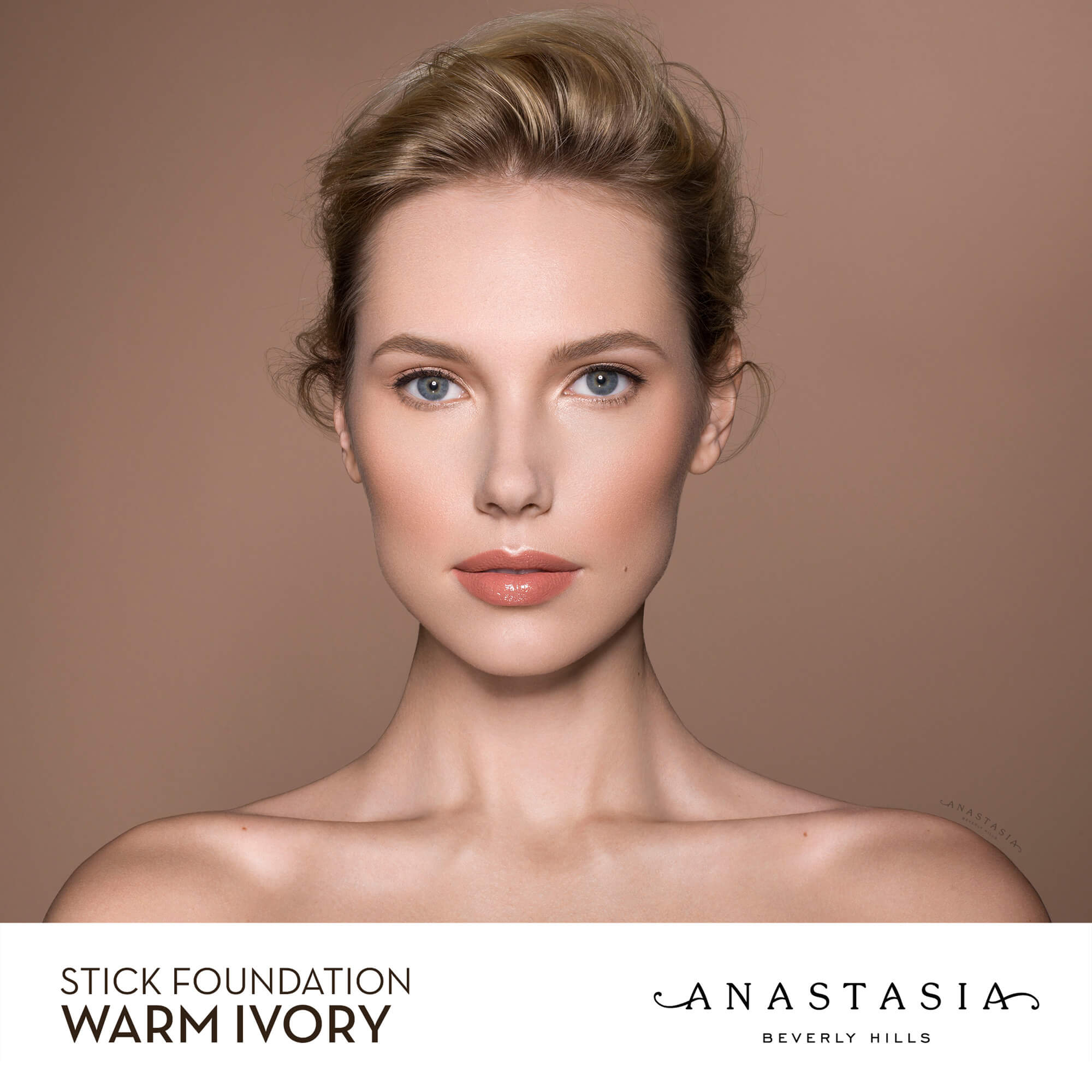 Stick Foundation - Warm Ivory