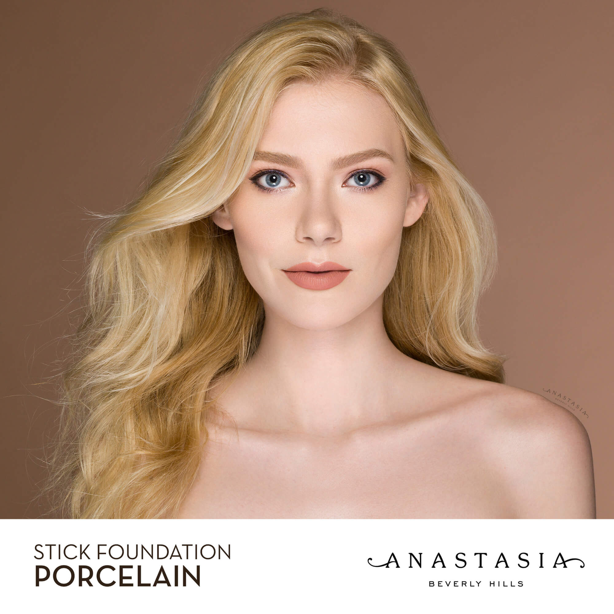 Stick Foundation - Porcelain